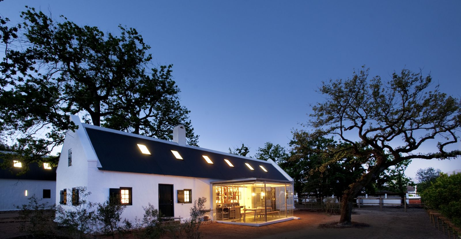 South African Wineland - Cape Dutch accommodation