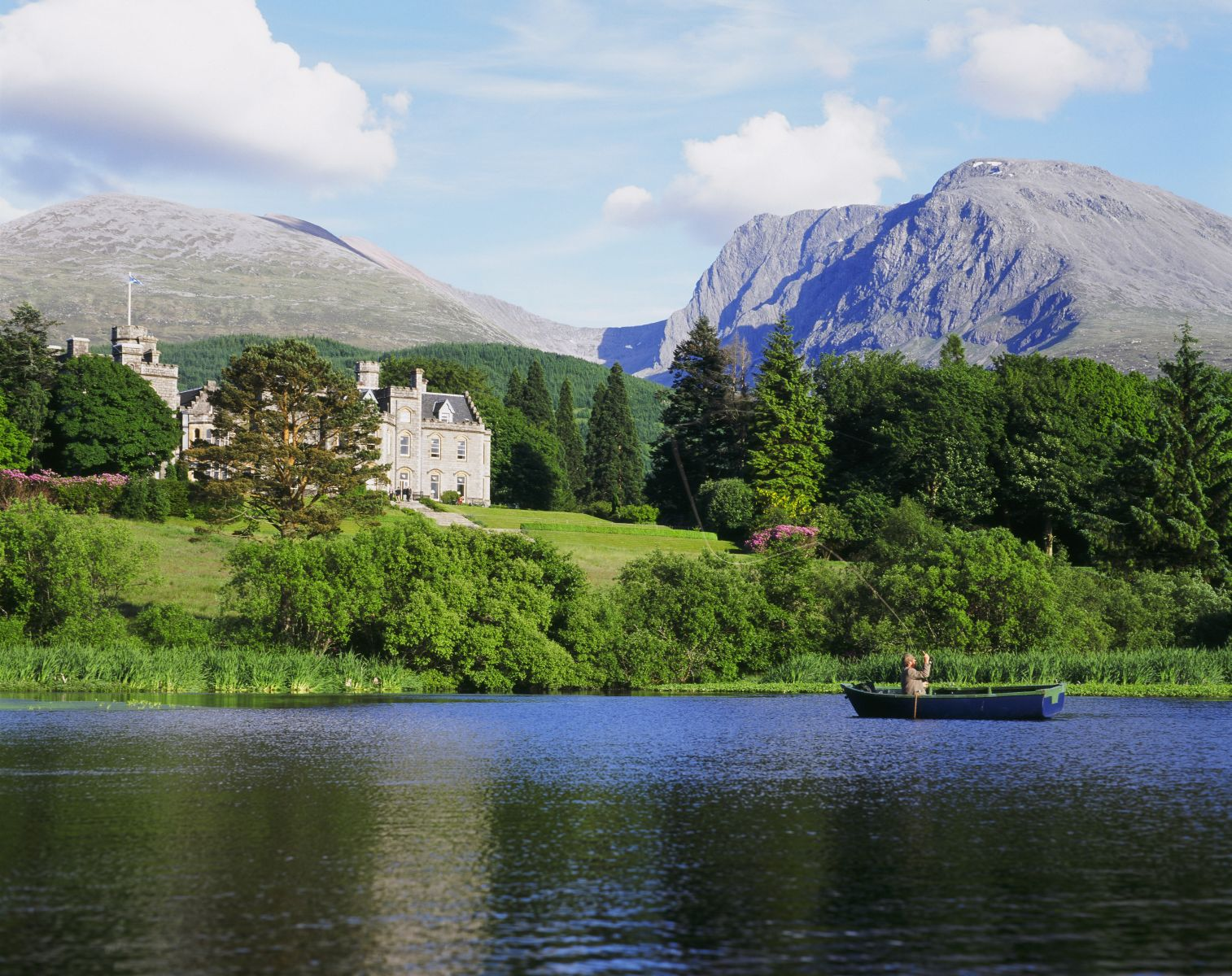 Fly-Fishing at Inverlochy Castle in Scotland Fort William