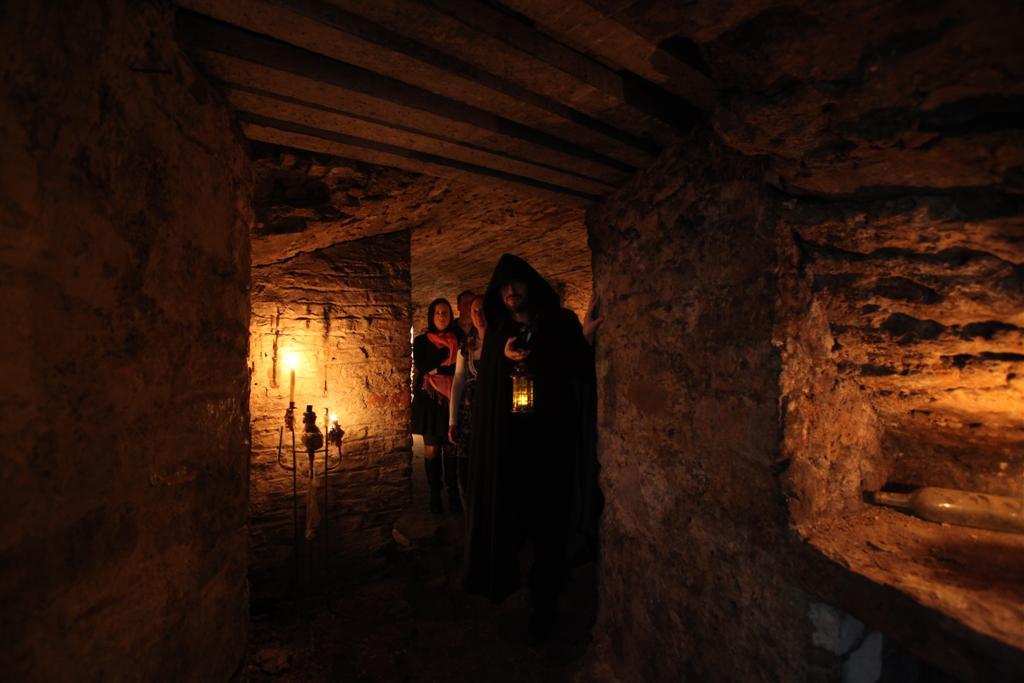 Ghost Tours of Edinburgh with Sandgrouse Travel - Edimbourg