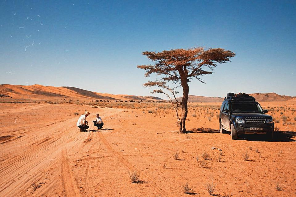 Heading into the Sahara with a Land Rover Discovery - Overland Travel with Sandgrouse Travel